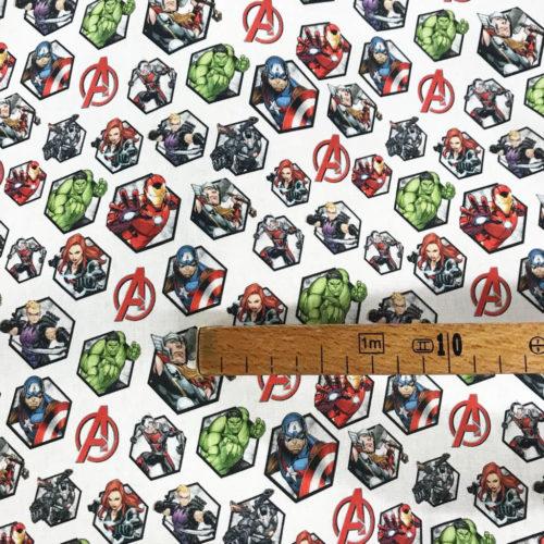 Tissu Disney Les Avengers mètre