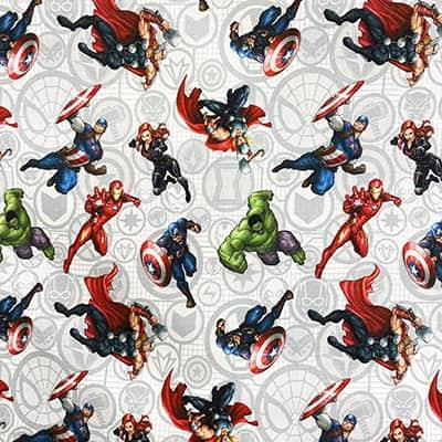 Tissu Disney Les Avengers personnages